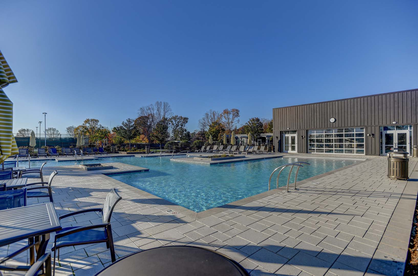 051_Community Pool